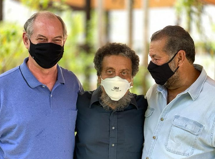 João Santana dá o tom: marqueteiro humaniza Ciro Gomes e mostra que campanha é pra valer; veja