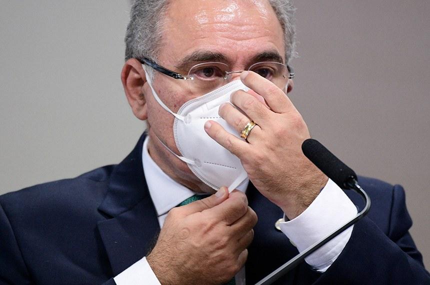 Com menos de 12% de pessoas vacinadas no Brasil, Marcelo Queiroga confirma análise para desobrigar uso de máscaras no Brasil
