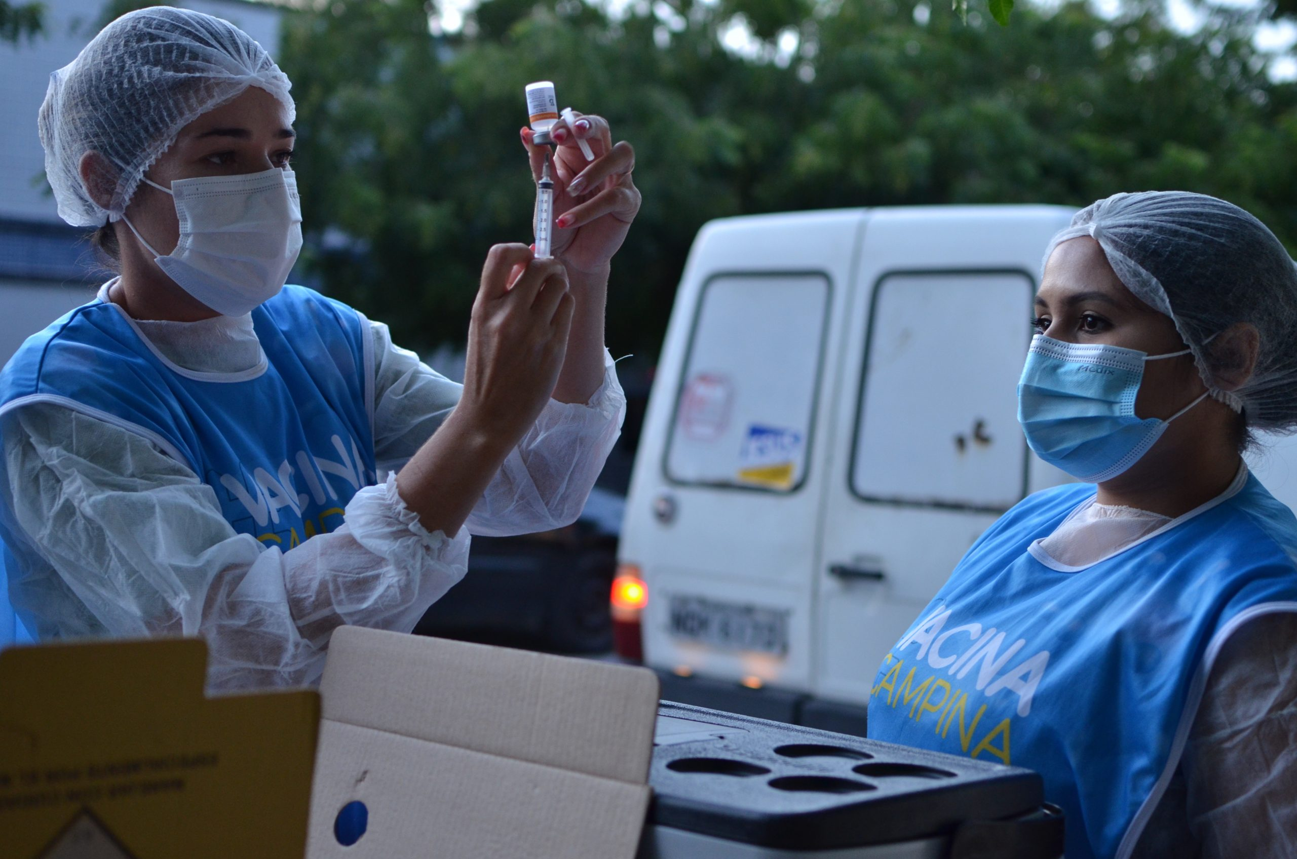 Campina Grande vacina pessoas com comorbidades, a partir de 55 anos, neste sábado
