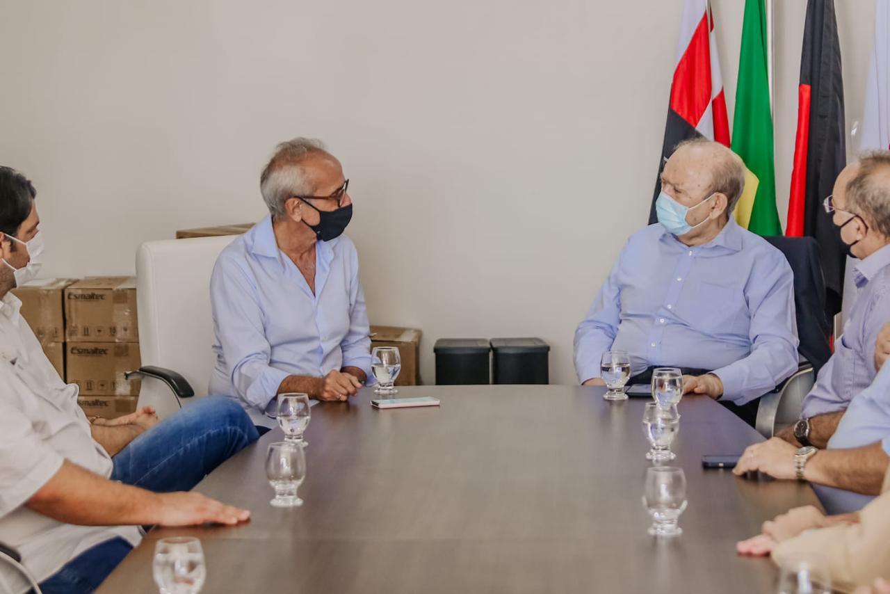 Prefeitura de João Pessoa firma parceria com Fiep e recebe 20 capacetes respiratórios