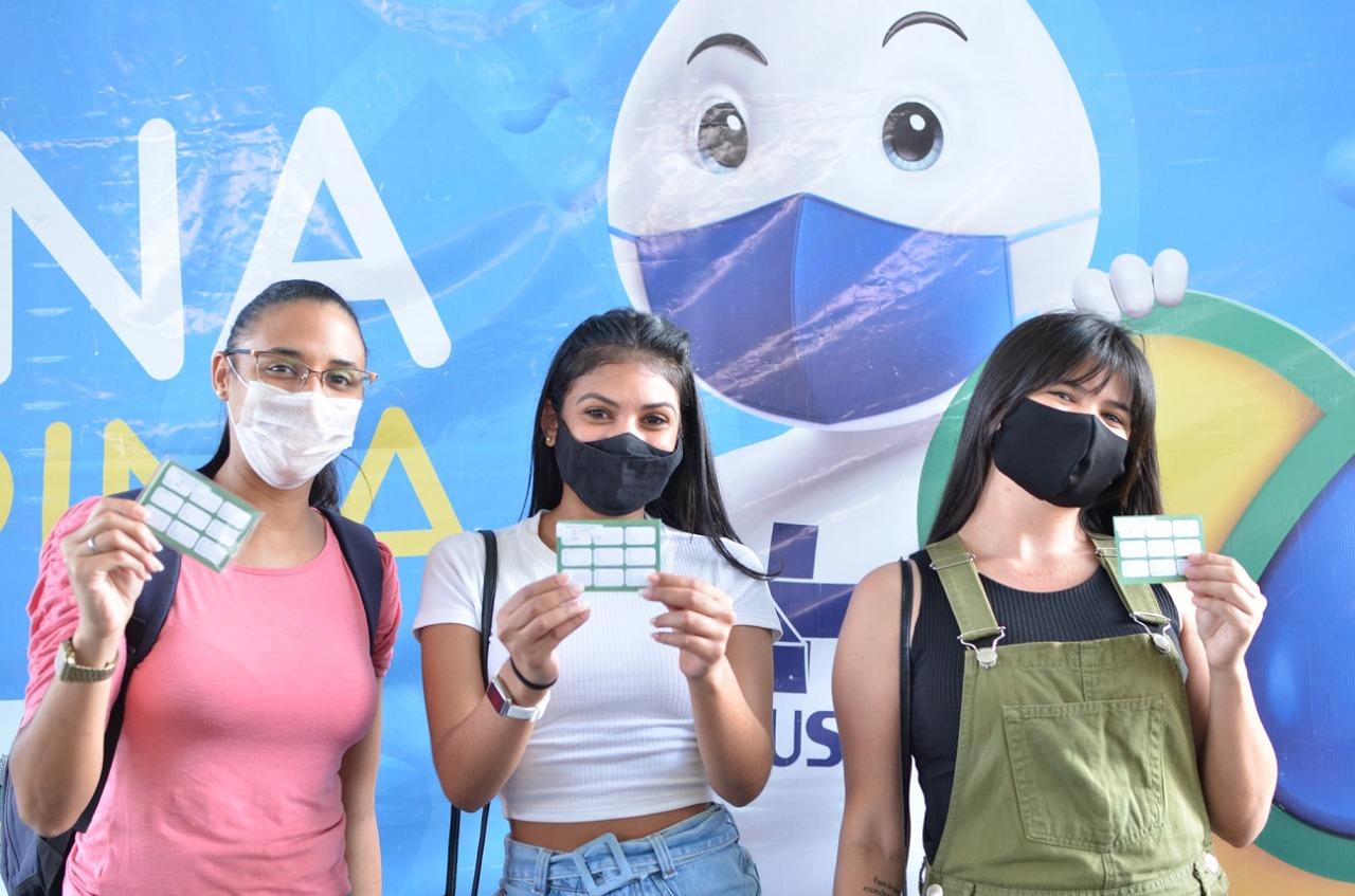 Campina Grande inicia vacinação de adolescentes de 17 anos sem comorbidades nesta sexta-feira