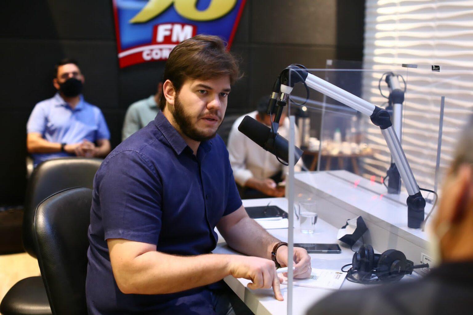 Bruno confirma concurso para quase 900 vagas em Campina Grande