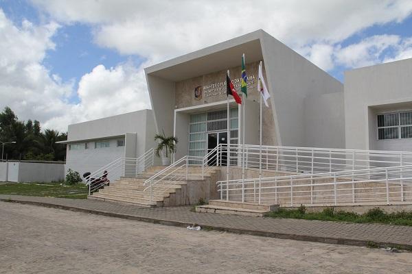 Justiça condena prefeita de Mamanguape por improbidade administrativa