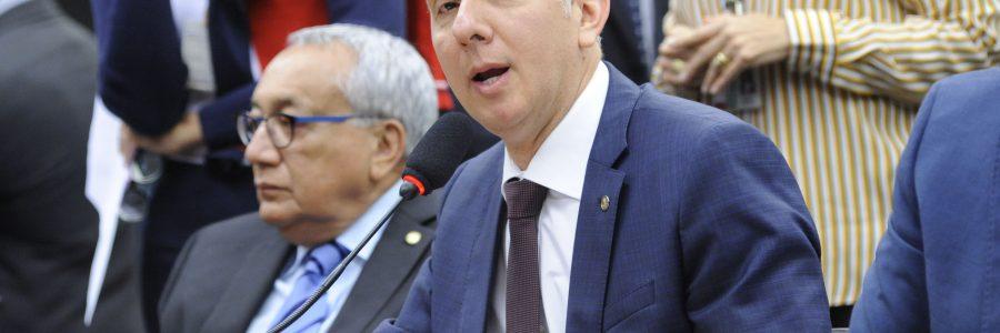 Partidos tentam tirar Aguinaldo Ribeiro da liderança da maioria na Câmara