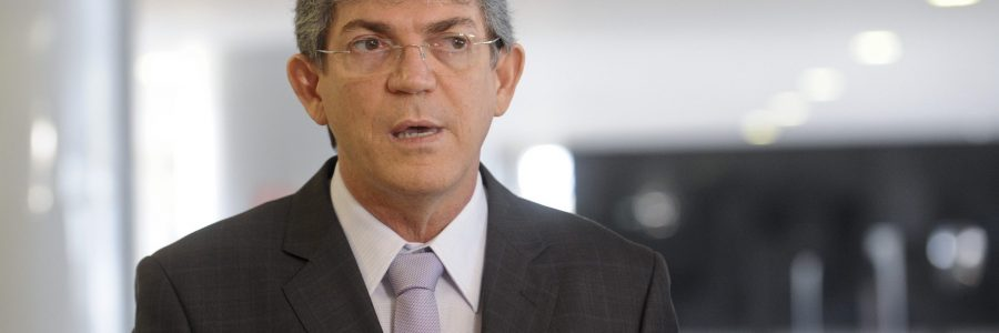 Ricardo Coutinho não vai participar do primeiro debate na TV; saiba por quê