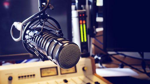 Ou o rádio muda, ou o povo mudará de sintonia; por Fabiano Gomes