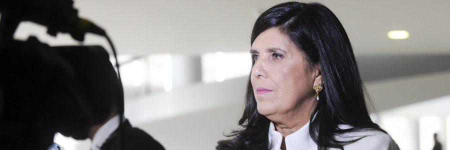Lígia quer o conforto do governo e atuando como oposição; assista ao podcast de Fabiano Gomes sobre as articulações da vice-governadora nos bastidores